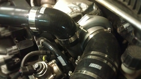 Изображение Силиконовый патрубок черный 90 градусов 76 мм